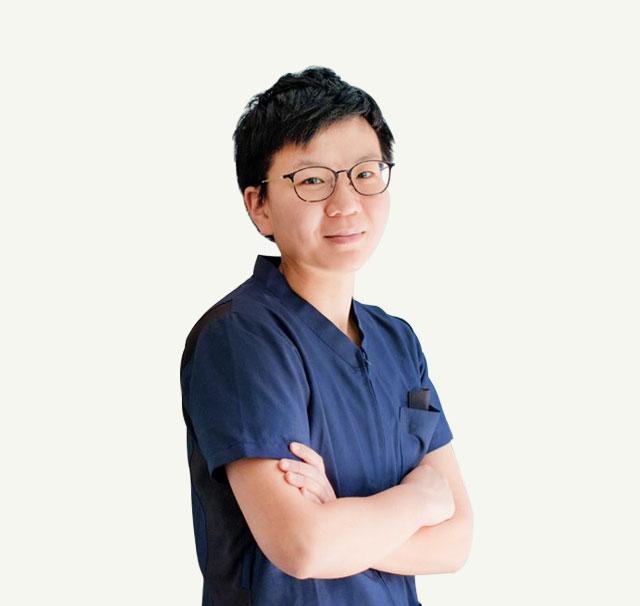 曾芳儀醫師-萊德美學牙醫 醫療團隊 主治醫師